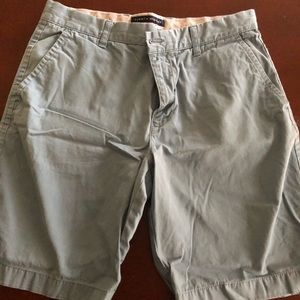 🔥🔥🔥make an offer! Tommy Hilfiger Classic Shorts